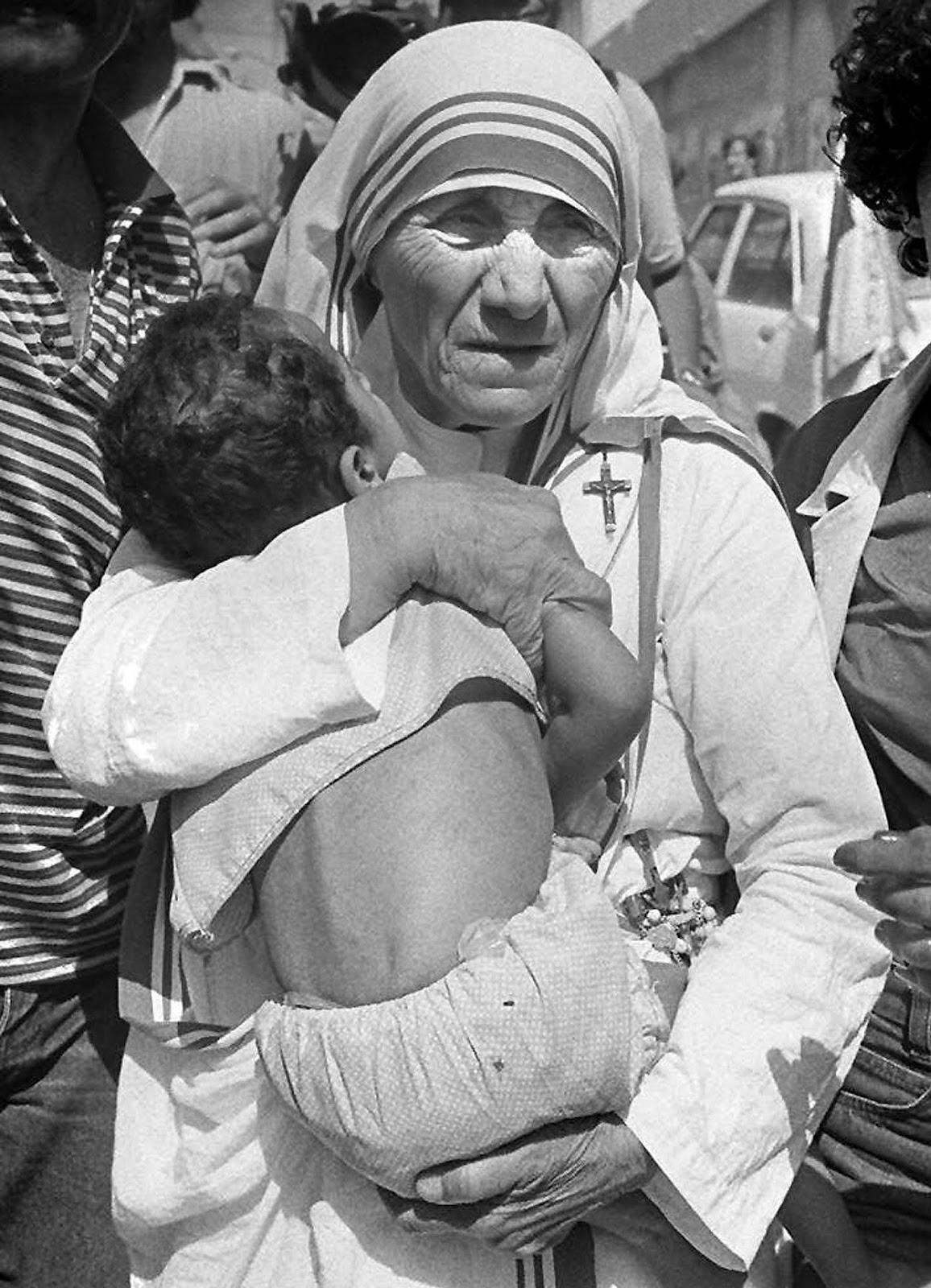 Donne e uomini per la vita nel solco di santa Teresa di Calcutta