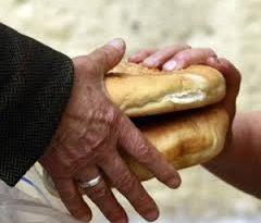 Distribuzione pasti a Via Marsala